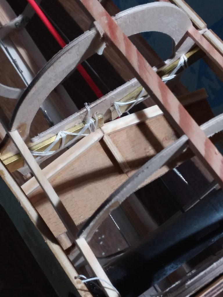 provisorisch befestigte Steckungsaufnahme im Rumpf